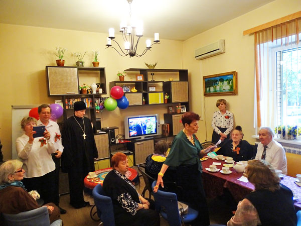 Поздравление ветеранов в ЦСО района Левобережный