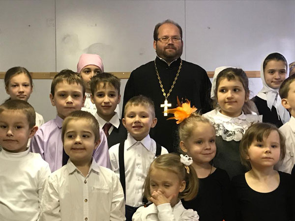 Концерт младшей группы воскресной школы в Аксиньино
