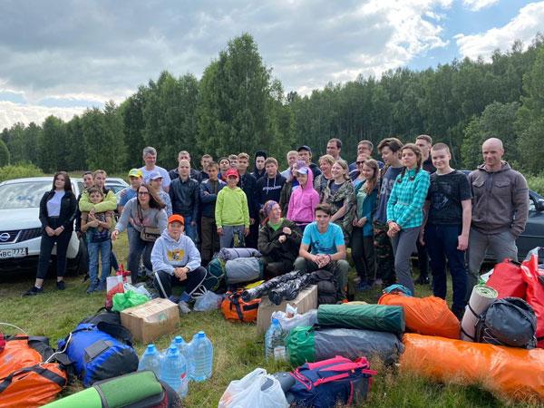 Начало долгожданного туристко-краеведческого путешествия участников молодежного клуба «Аксиньинцы»